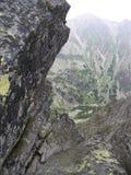 Απότομοι βράχοι βουνών Στοκ εικόνες με δικαίωμα ελεύθερης χρήσης
