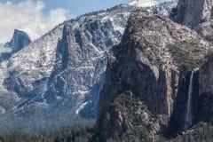 Απότομοι βράχοι γρανίτη - Yosemite ΙΙΙ Στοκ Εικόνες