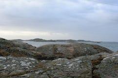 Απότομοι βράχοι θαλασσίως Στοκ φωτογραφία με δικαίωμα ελεύθερης χρήσης