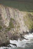 Απότομοι βράχοι σε Dunquin, Dingle χερσόνησος Στοκ Φωτογραφίες
