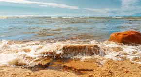 Απότομοι βράχοι στην ακτή σε Paldiski, Εσθονία Στοκ φωτογραφία με δικαίωμα ελεύθερης χρήσης