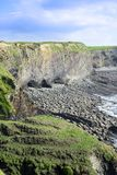 Απότομοι βράχοι στη ιρλανδική αγελάδα Ιρλανδία νομών doon Στοκ Φωτογραφία