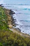 Απότομοι βράχοι - της Μάλτα τοπίο Στοκ Εικόνες