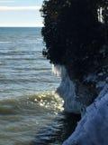 Απότομοι βράχοι του Μίτσιγκαν λιμνών το χειμώνα Στοκ Εικόνα