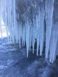Απότομοι βράχοι του Μίτσιγκαν λιμνών το χειμώνα Στοκ Φωτογραφίες