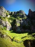Απότομοι βράχοι φαραγγιών τυριού Cheddar Στοκ Φωτογραφίες