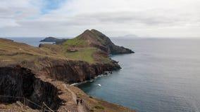 Απότομοι βράχοι ANC βουνών της Μαδέρας στοκ εικόνες