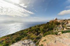 Απότομοι βράχοι Dingli και σταθμός ραντάρ σφαιρών, Μάλτα Στοκ Φωτογραφίες