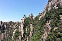 απότομοι βράχοι sanqingshan Στοκ Εικόνες