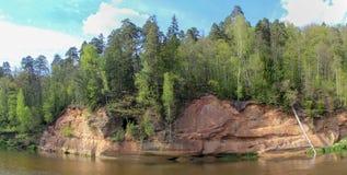 Απότομοι βράχοι Velnala στη Λετονία Sigulda στοκ εικόνα με δικαίωμα ελεύθερης χρήσης