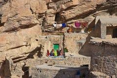 Απότομος βράχος Άμλετ Akhdar Jebel Στοκ φωτογραφία με δικαίωμα ελεύθερης χρήσης