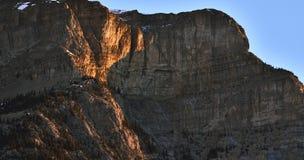 Απότομος βράχος βουνών Στοκ φωτογραφίες με δικαίωμα ελεύθερης χρήσης