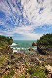 Απότομος βράχος βράχου στο λιμένα Τζοτζακάρτα ψαροχώρι Gesing στοκ εικόνα με δικαίωμα ελεύθερης χρήσης