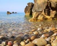 Απότομος βράχος θάλασσας Στοκ Φωτογραφίες