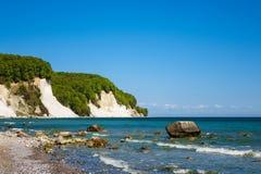 Απότομος βράχος κιμωλίας στο νησί Ruegen στη Γερμανία Στοκ εικόνες με δικαίωμα ελεύθερης χρήσης