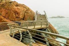 Απότομος βράχος παραλιών στοκ εικόνες με δικαίωμα ελεύθερης χρήσης