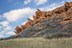 Απότομος βράχος ψαμμίτη στους λόφους του Κολοράντο Στοκ εικόνες με δικαίωμα ελεύθερης χρήσης