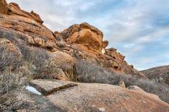 Απότομος βράχος ψαμμίτη στους λόφους του Κολοράντο Στοκ φωτογραφίες με δικαίωμα ελεύθερης χρήσης