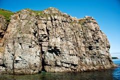Απότομος βράχος στοκ εικόνα με δικαίωμα ελεύθερης χρήσης