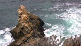 Απότομος βράχος φιλμ μικρού μήκους