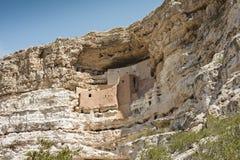 Απότομος βράχος Dweling στην έρημο της Αριζόνα στοκ εικόνες με δικαίωμα ελεύθερης χρήσης