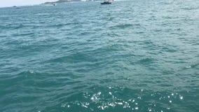 απόψεις της θάλασσας από τη βάρκα απόθεμα βίντεο