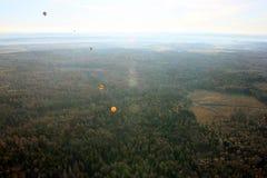 Απόψεις του τομέα, των μπαλονιών, της επαρχίας και του ορίζοντα από τα πουλιά Στοκ Εικόνες