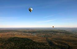 Απόψεις του τομέα, των μπαλονιών, του χωριού, της επαρχίας και του ορίζοντα από Στοκ Φωτογραφία