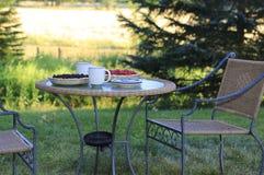 Απόλαυση της ζωής επαρχίας. Θαυμάσιο θερινό πρωί Στοκ φωτογραφίες με δικαίωμα ελεύθερης χρήσης