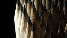 Από γραφίτη μολύβια στην περιστροφή φιλμ μικρού μήκους
