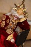 Απόδοση των δραστών του περιπλαμένος κυρίου Pezho κουκλών θεάτρων στο φουαγιέ του θεάτρου στιλβωμένου Στοκ Εικόνα