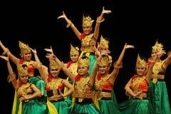 Απόδοση χορού της Ιάβας στην ημέρα παγκόσμιου χορού σόλο Στοκ Εικόνες