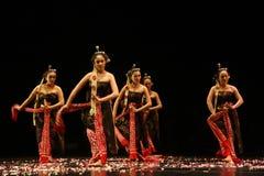 Απόδοση χορού της Ιάβας στον παγκόσμιο χορό ημέρα Σουρακάρτα Στοκ Εικόνες