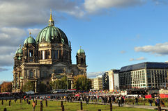 Από το Βερολίνο DOM καθεδρικών ναών του Βερολίνου Στοκ Φωτογραφία