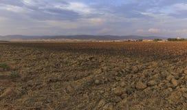 Από το καλλιεργημένο έδαφος στα περιθώρια της Βουλγαρίας Στοκ φωτογραφία με δικαίωμα ελεύθερης χρήσης