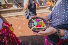 Από το Μπαλί εκτελέστε τις πολιτιστικές προσευχές στο παλάτι Ubud στοκ εικόνα με δικαίωμα ελεύθερης χρήσης