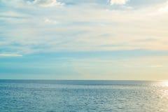 Απλή θάλασσα στο ηλιοβασίλεμα Στοκ εικόνες με δικαίωμα ελεύθερης χρήσης