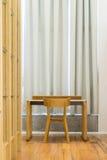 Απλή θέση εργασίας στο δωμάτιο Στοκ Εικόνες
