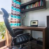 Απλός εγχώριος χώρος γραφείου στοκ εικόνες