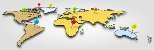 Απλός και χρωματισμένος παγκόσμιος χάρτης με τις καρφίτσες γραφείων Στοκ φωτογραφία με δικαίωμα ελεύθερης χρήσης