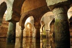 Αραβική δεξαμενή, υπόγεια δεξαμενή νερού, Caceres, Εστρεμαδούρα, Ισπανία στοκ εικόνα με δικαίωμα ελεύθερης χρήσης