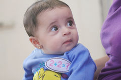 Αραβικός νέος - γεννημένο κορίτσι Στοκ φωτογραφία με δικαίωμα ελεύθερης χρήσης