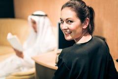 Αραβικό ζεύγος στο σπίτι Στοκ Φωτογραφία