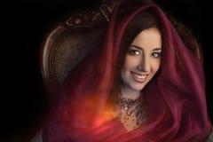 Αραβικό πορτρέτο ύφους μιας νέας ομορφιάς. Στοκ εικόνα με δικαίωμα ελεύθερης χρήσης