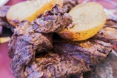 Αργεντινό ψημένο στη σχάρα κρέας στοκ εικόνες