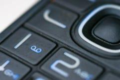 Αριθμοί και επιστολές σε ένα παλαιό χρησιμοποιημένο κινητό τηλέφωνο στοκ φωτογραφίες με δικαίωμα ελεύθερης χρήσης