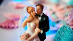 Αριθμοί νυφών και νεόνυμφων για το γαμήλιο κέικ απόθεμα βίντεο