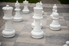 Αριθμοί σκακιού για έναν αγωνιστικό χώρο με το αρχισμένο μέρος Στοκ φωτογραφία με δικαίωμα ελεύθερης χρήσης