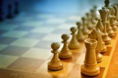 Αριθμοί σκακιού στη διαγώνιος στο μπλε και κίτρινος Στοκ Φωτογραφίες