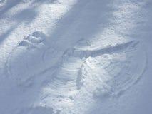 Αριθμός ιχνών άνθρωποι στο χιόνι Στοκ φωτογραφία με δικαίωμα ελεύθερης χρήσης